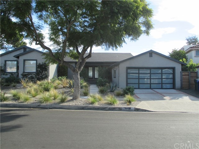 6008 S Chariton Avenue, Inglewood CA: http://media.crmls.org/medias/c06d0062-c252-46dd-a347-508ee4192176.jpg