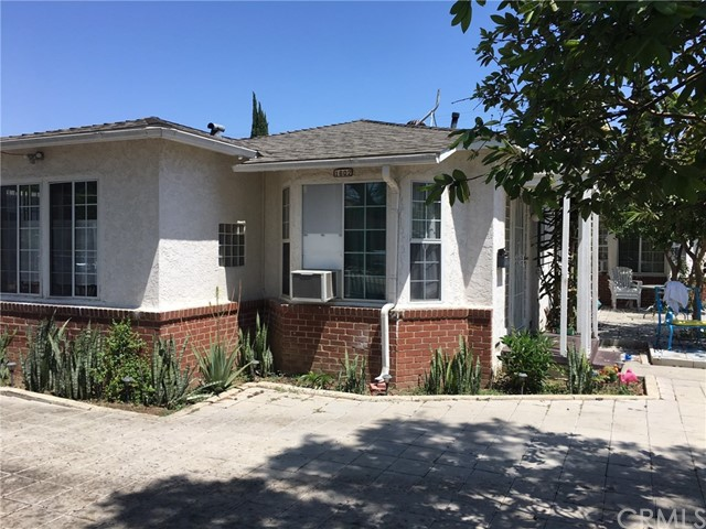 1600 Gardenia Avenue, Long Beach CA: http://media.crmls.org/medias/c0718b59-0973-4736-a9ef-2ed383eb3c83.jpg