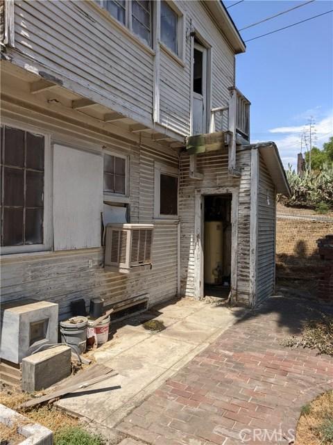 101 W La Cadena Dr, Riverside CA: http://media.crmls.org/medias/c0738c78-0a6c-4307-bd57-feb022d6d5ec.jpg