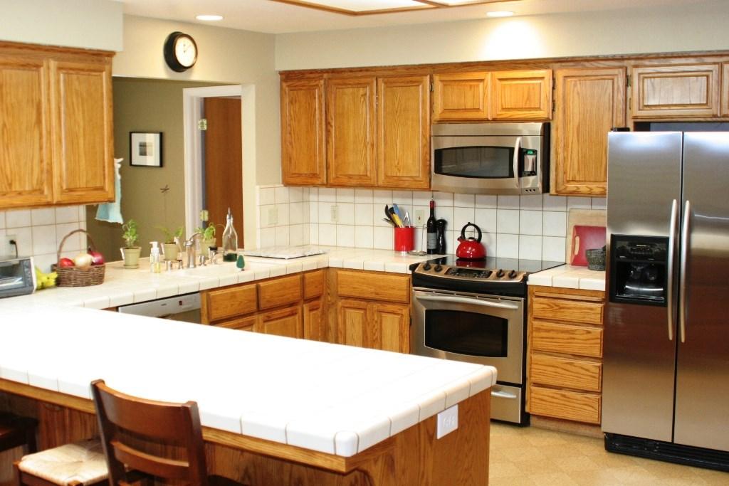 2080 Bidwell Avenue, Chico CA: http://media.crmls.org/medias/c07bb19b-0b61-4419-8ade-71859abc30b2.jpg