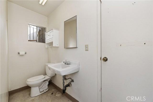 607 6th Street, Norco CA: http://media.crmls.org/medias/c08b6132-9645-4559-93bf-1992f0407cf9.jpg