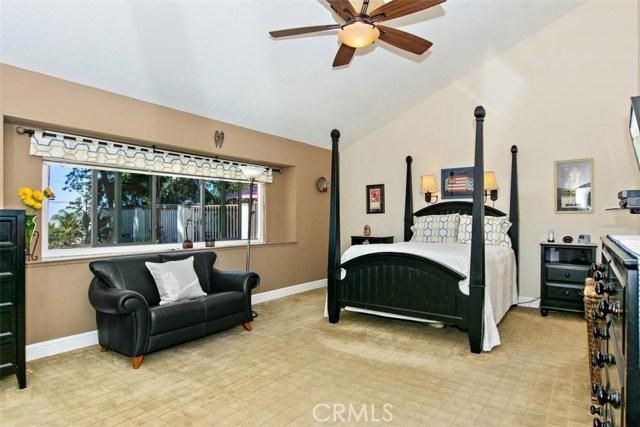 10425 Poplar Street, Rancho Cucamonga CA: http://media.crmls.org/medias/c08c21e0-8123-40bd-8013-21d93f42b403.jpg