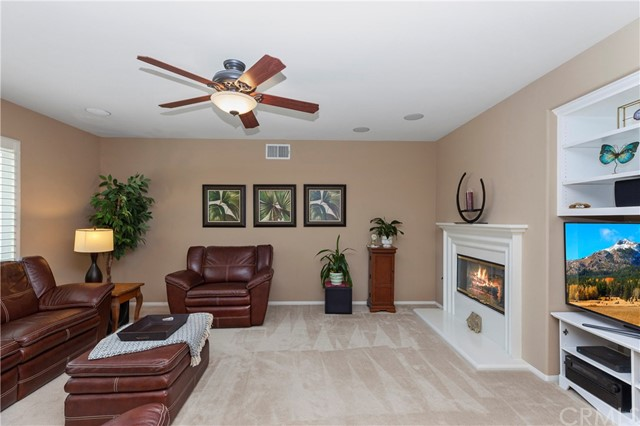 33571 Honeysuckle Lane, Murrieta CA: http://media.crmls.org/medias/c08fb67e-e3be-421e-936a-097ea4fe6266.jpg