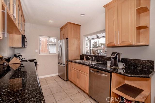 5231 Norwich Avenue, Sherman Oaks CA: http://media.crmls.org/medias/c08fc46c-03a0-4c2f-8385-da29382c55bf.jpg