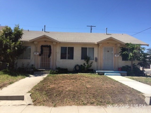 ***DUPLEX IN EXPOSITION PARK NEIGHBORHOOD OF LOS ANGELES***  This duplex consists of two 1 bedroom, 1 bathroom units (per tax rolls).  Fantastic corner lot with close proximity to USC, transportation and shopping with a 2 car garage and 2 car driveway parking (per appraisal).  DON'T MISS OUT ON THIS OPPORTUNITY!!!
