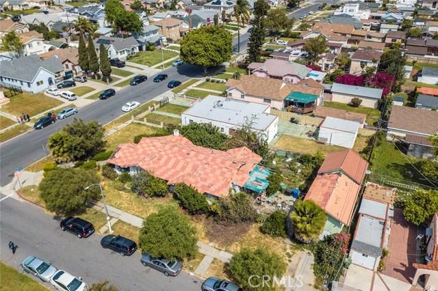5468 10Th Avenue, Los Angeles CA: http://media.crmls.org/medias/c09f8bb5-6172-43b2-bc36-8744f37f79b3.jpg