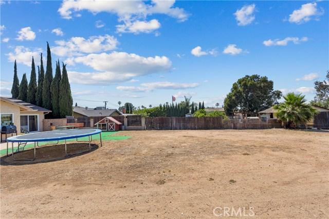 219 8th street, Norco CA: http://media.crmls.org/medias/c0a8656f-5f1b-4f90-899a-82f5f7056f98.jpg