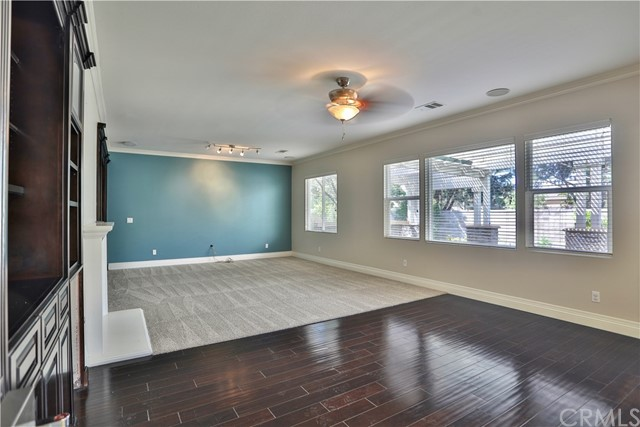 14912 Franklin Lane, Eastvale CA: http://media.crmls.org/medias/c0abbd66-7916-4060-be14-cd0b54ad0e10.jpg