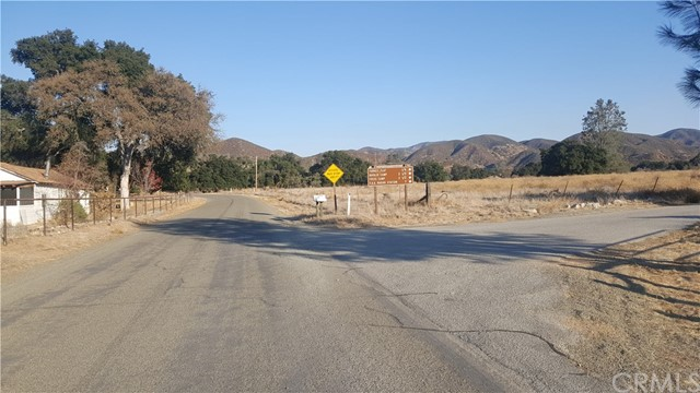 Property for sale at 670 Parkhill Road, Santa Margarita,  CA 93453