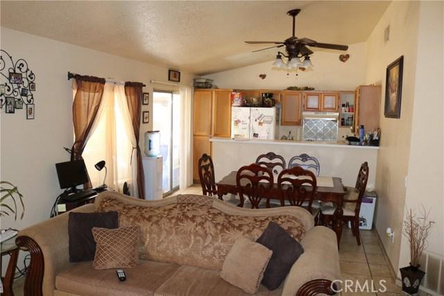 10695 Moorfield Street, Adelanto CA: http://media.crmls.org/medias/c0be521f-f59a-4afe-9fe6-16a76943c081.jpg