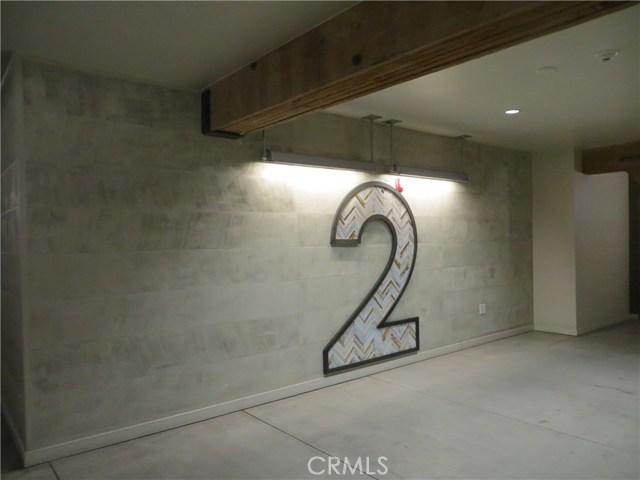 527 S Molino Street, Los Angeles CA: http://media.crmls.org/medias/c0c57ce7-dde1-4744-a2d5-a73144091916.jpg