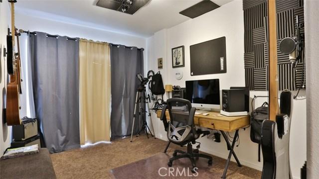 464 W E Street, Colton CA: http://media.crmls.org/medias/c0cb9d1d-7a99-4b3e-be2b-a3d5b9a846c3.jpg