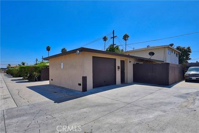 2077 Wallace Avenue, Costa Mesa CA: http://media.crmls.org/medias/c0ce1beb-6238-4140-9412-5d7b0c3f58f6.jpg