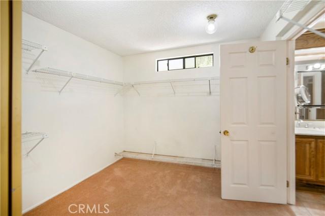 5423 Spencer Lane, Carlsbad CA: http://media.crmls.org/medias/c0d6404b-75ea-4dd8-9a50-dcaef0ec72ec.jpg