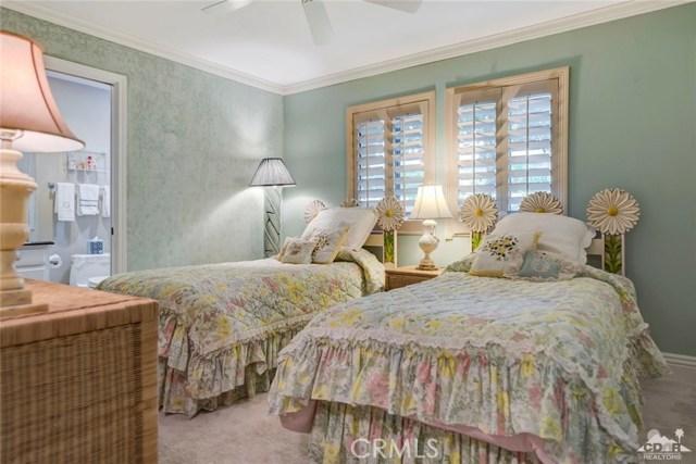 74921 Chateau Circle, Indian Wells CA: http://media.crmls.org/medias/c10dbf3d-4ebb-43d6-83b0-bf9023b3e9c0.jpg