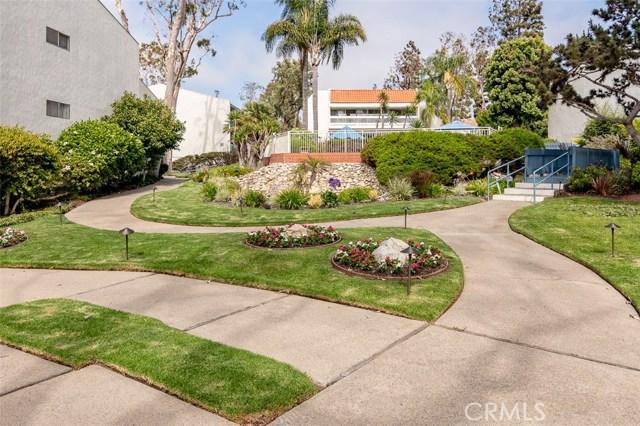 902 Camino Real, Redondo Beach CA: http://media.crmls.org/medias/c1169ede-1669-4e37-8b2a-8fa5f30e752d.jpg