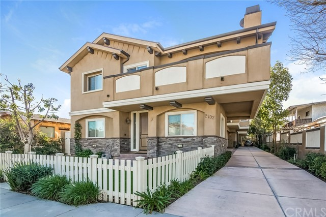 2702 Gates Avenue, B - Redondo Beach, California
