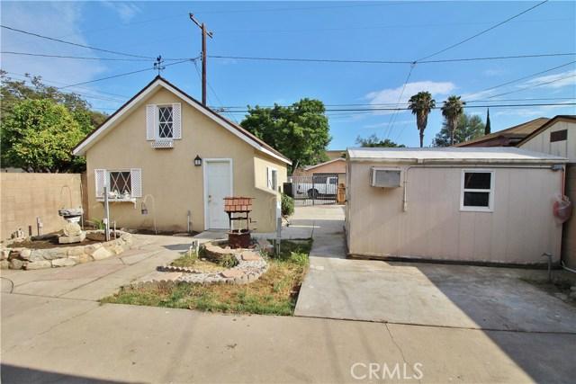 1426 E 68th Street, Long Beach CA: http://media.crmls.org/medias/c11ae0f4-5c0a-4297-8471-070ad356ec47.jpg