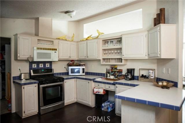 901 S Sixth S Avenue, Hacienda Heights CA: http://media.crmls.org/medias/c1263e41-c64d-45ec-8b62-62f3ee1de522.jpg