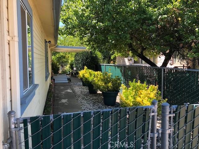 13953 Apple Lane, Clearlake Oaks CA: http://media.crmls.org/medias/c1432cdd-7baf-4db5-8ad4-9d1d0de253d9.jpg