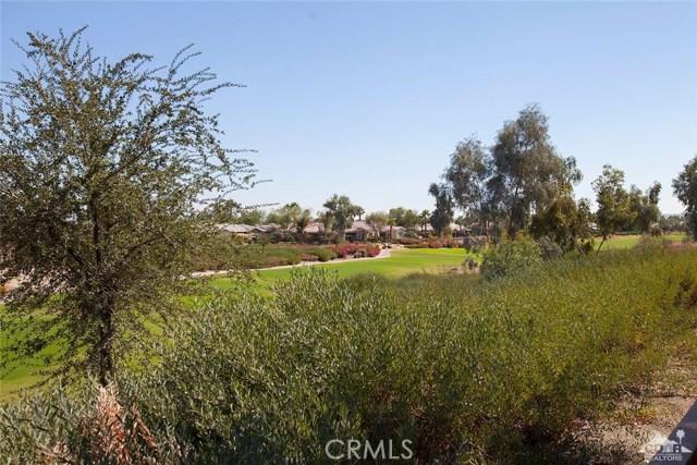 61282 Sapphire Lane, La Quinta CA: http://media.crmls.org/medias/c148b62d-c692-4123-9c7e-2eed53997905.jpg