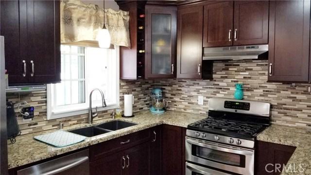 8549 Smallwood Avenue, Downey CA: http://media.crmls.org/medias/c14a4144-6b28-489d-aced-24add48ebae8.jpg