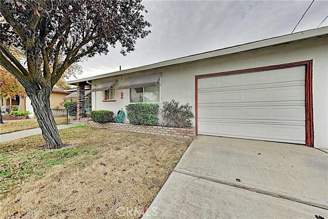 1405 S Nevada Avenue, Los Banos CA: http://media.crmls.org/medias/c14c40bc-52c6-4bb8-96ba-6d4265ddf6c6.jpg