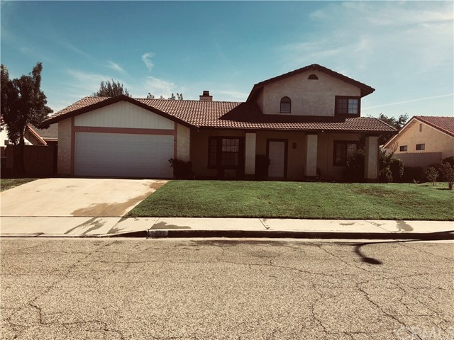 1736 Marcus Avenue, Palmdale CA: http://media.crmls.org/medias/c1562bfb-a4fd-4a82-9322-3338ced260d8.jpg
