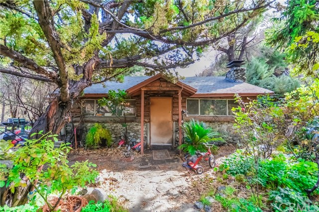 Single Family Home for Sale at 14121 Meadow Lane 14121 Meadow Lane Lytle Creek, California 92358 United States