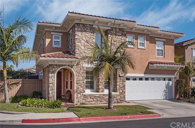 Single Family Home for Sale at 2501 Hillcrest Signal Hill, California 90755 United States