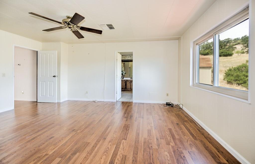 336 Walnut Drive, Lakeport CA: http://media.crmls.org/medias/c19a670f-43de-4535-82c0-0af8948d9269.jpg