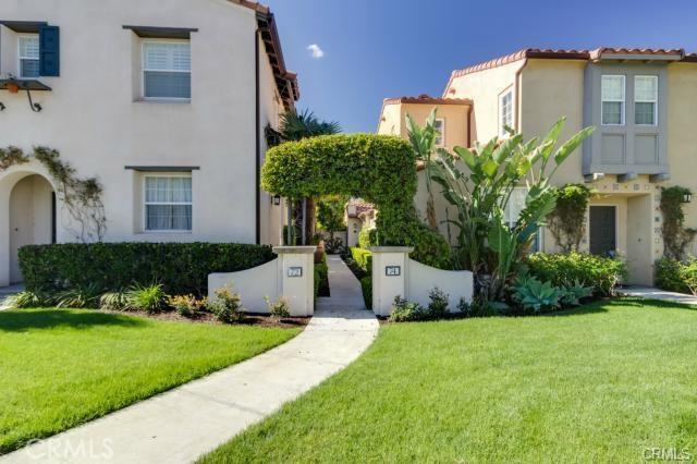 72 Arcata, Irvine, CA 92602 Photo 1