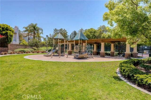 9 Dandelion, Irvine CA: http://media.crmls.org/medias/c19f2800-5af0-4503-aa2c-946696a7f0c8.jpg