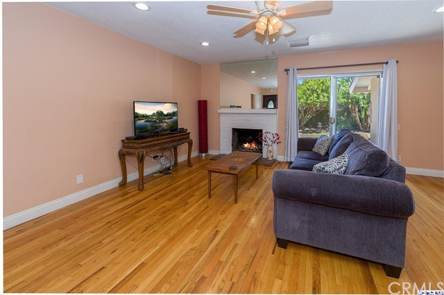 8426 Wystone Avenue Northridge, CA 91324 is listed for sale as MLS Listing 318002591