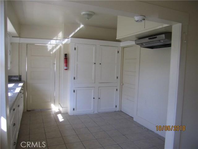 1844 West 38th Place, Los Angeles CA: http://media.crmls.org/medias/c1a561b7-4f6c-4c45-829e-424e66ffd924.jpg