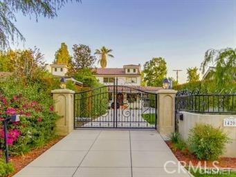 14208 Chandler Boulevard, Sherman Oaks, CA 91401