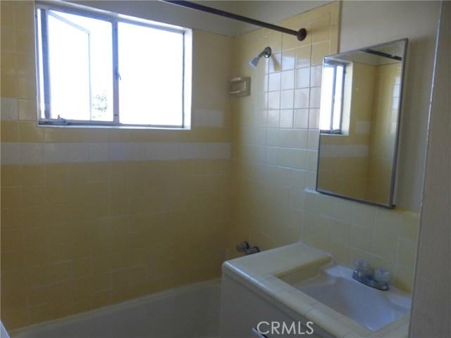 11142 S Mariposa Avenue, Los Angeles CA: http://media.crmls.org/medias/c1af1bdf-501c-4a66-9fcd-d414ffa2fded.jpg