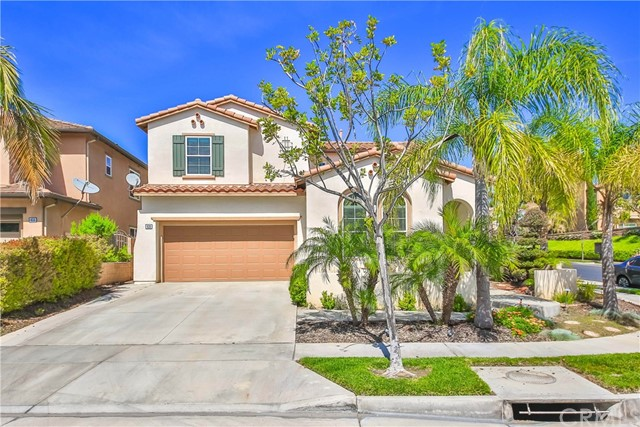 Single Family Home for Sale at 639 Oak Tree Street Fullerton, California 92835 United States