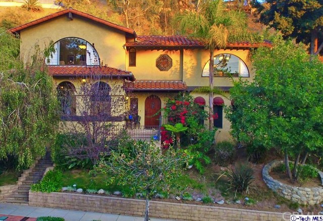 Single Family Home for Sale at 1748 Hillcrest Avenue Glendale, California 91202 United States