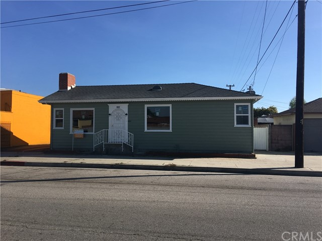 Single Family Home for Rent at 2208 Arbor Vitae Street W Inglewood, California 90305 United States