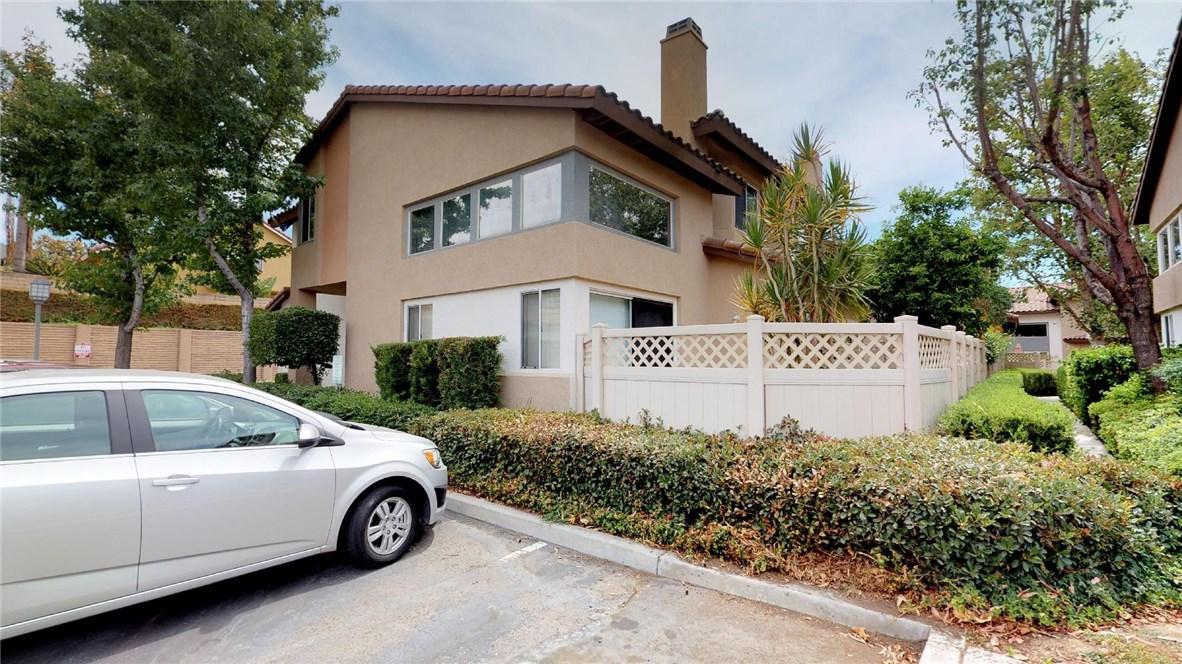 13025 Via Antibes, Riverside CA: http://media.crmls.org/medias/c1d9daab-4579-49af-863f-a644439f3c8b.jpg