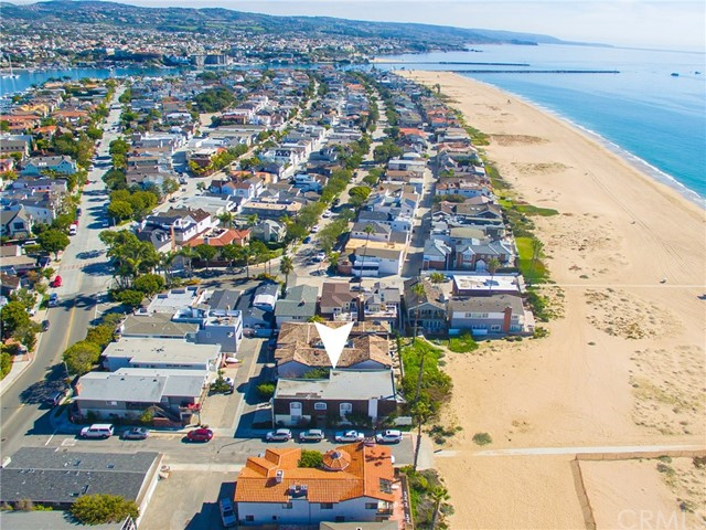Single Family Home for Sale at 1350 Oceanfront E Newport Beach, California 92661 United States