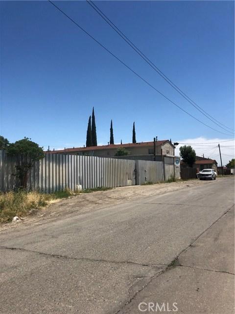 1660 S Union Street, Stockton CA: http://media.crmls.org/medias/c1f2ee03-135c-47f3-a1a0-1f75cd0333a2.jpg