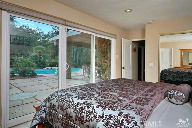 71443 Country Club Drive, Rancho Mirage CA: http://media.crmls.org/medias/c210fd8d-1054-4404-98ec-66d9ff89a00a.jpg