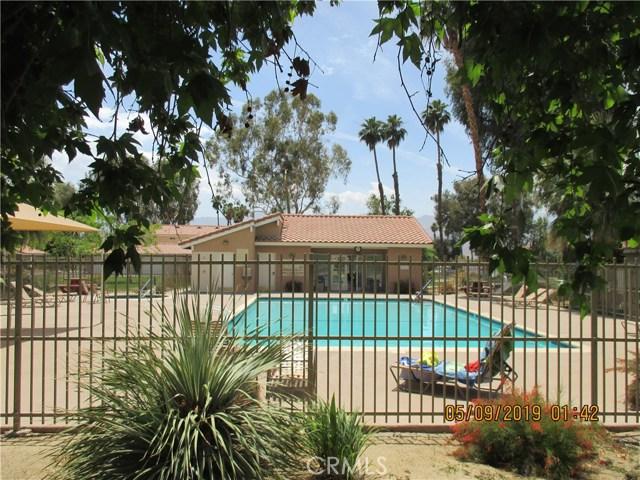 412 Tava Lane, Palm Desert CA: http://media.crmls.org/medias/c2163cdf-88dd-4dd1-b9c7-8a87cd4b0588.jpg