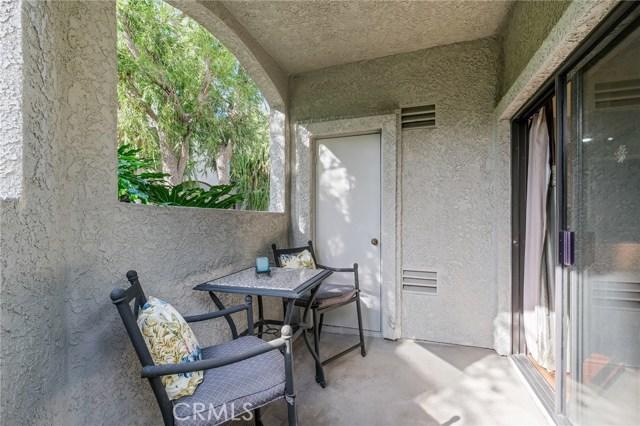 4852 Tiara Drive, Huntington Beach CA: http://media.crmls.org/medias/c2291377-2567-435e-839c-986b9d637f4a.jpg