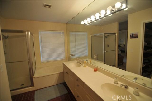 76820 Castle Court, Palm Desert CA: http://media.crmls.org/medias/c2408cc2-30f1-4edf-b41a-fa3f4bbcac8c.jpg