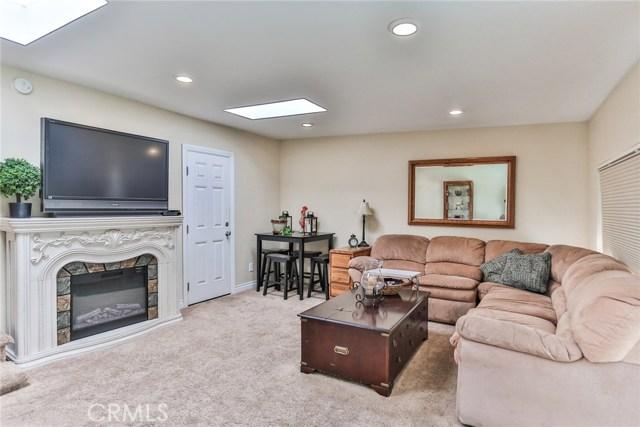 3250 W Deerwood Dr, Anaheim, CA 92804 Photo 14