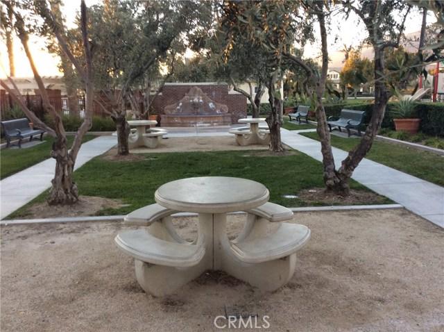 15723 Parkhouse Drive, Fontana CA: http://media.crmls.org/medias/c2426e70-d145-4adb-8b5d-cb8ea13999f0.jpg