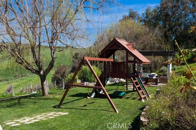 27972 Golden Ridge Lane, San Juan Capistrano CA: http://media.crmls.org/medias/c24300e6-04b8-4803-8fa4-ba54bf9be3f1.jpg